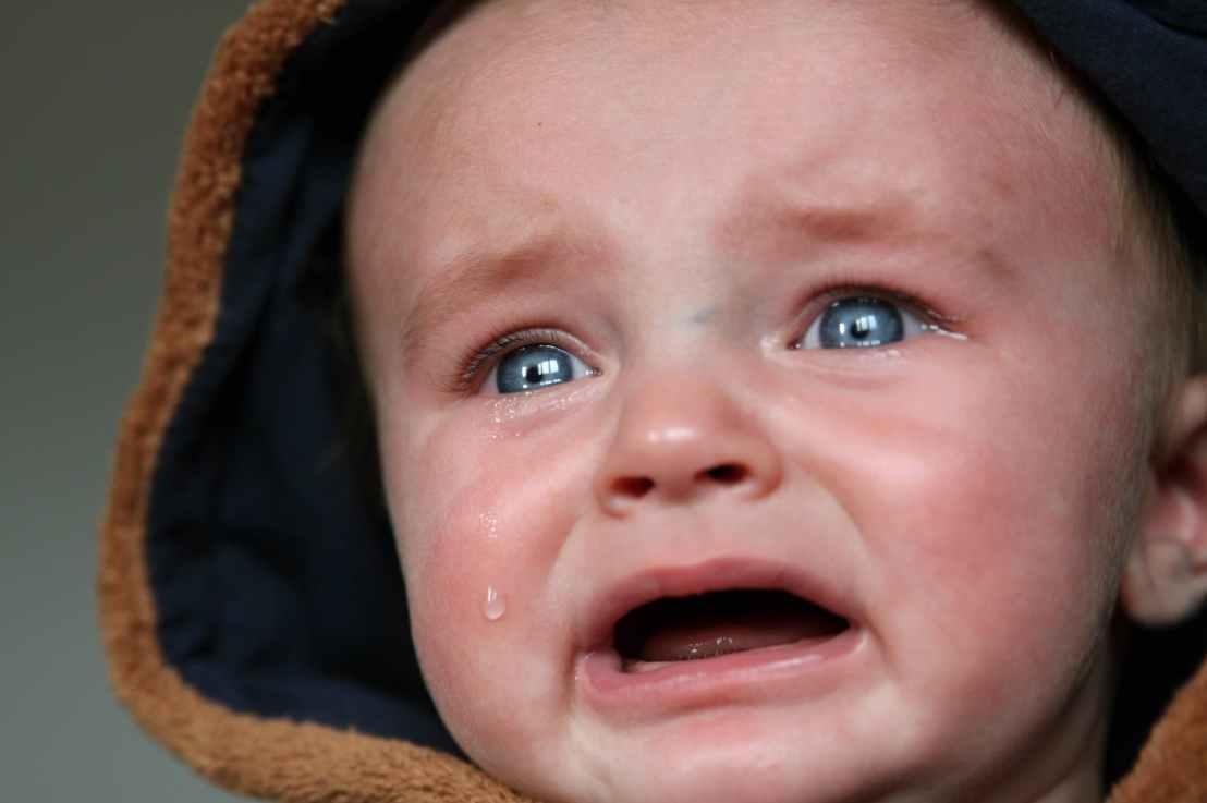 被逼迫后,姊妹哭号说:我记得,在教堂的时候……